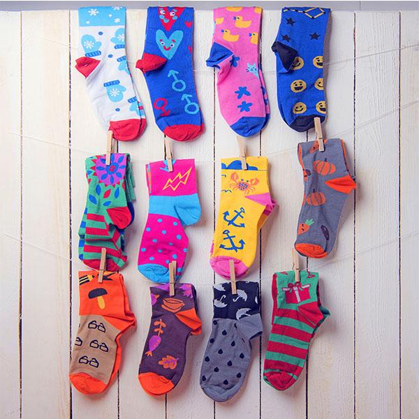 Подарочный набор 12 месяцев, 12 пар тематических носков и авторский календарь